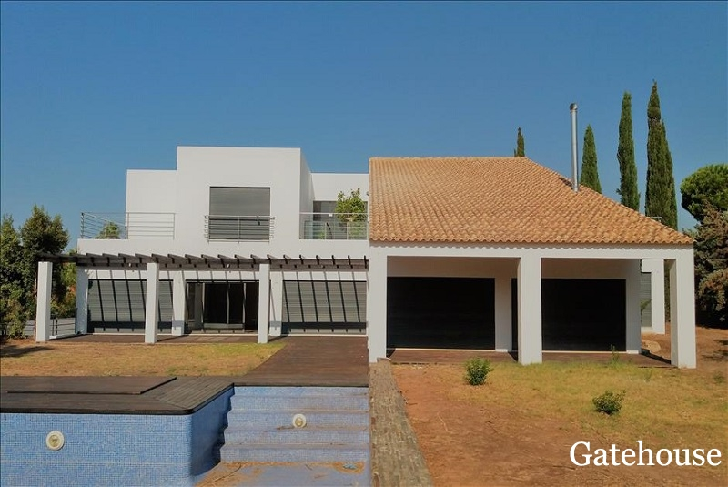 Bank Sale Property of 5 Bed Vilamoura Algarve